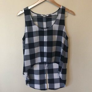 🤩 Bb Dakota hi-low blue and white checked tank